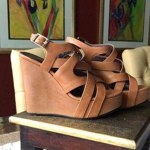 Vince Camuto platform sandals size 6.5